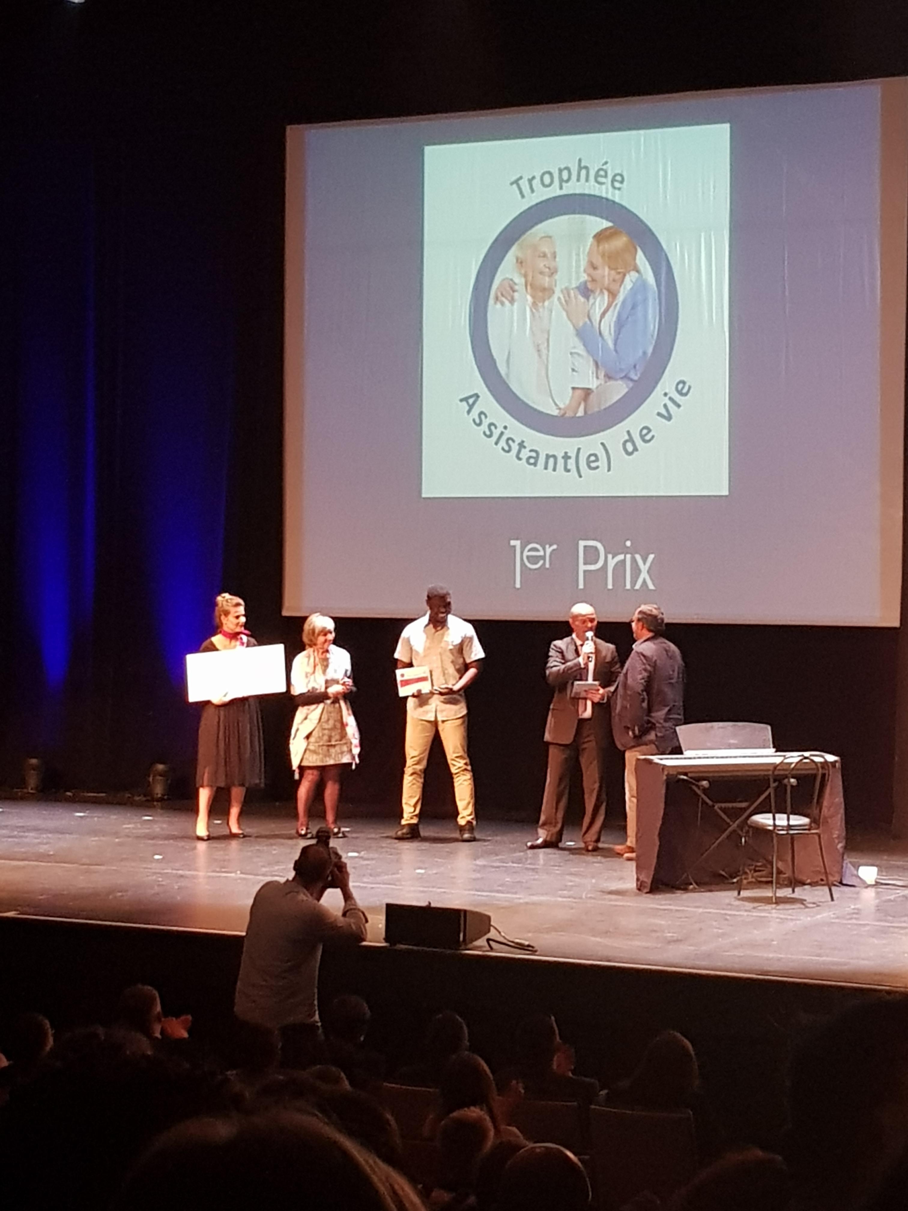 Trophée Assistant(e) de vie 1er prix